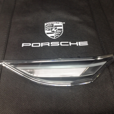 Porsche LED Clear Side Marker Left
